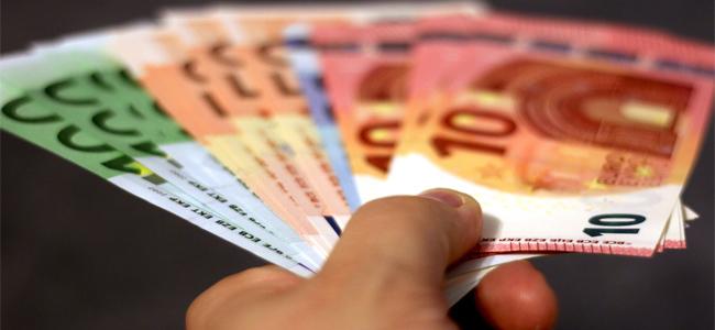 Rýchla pôžičky cez internet vám môže uľahčiť vaše finančné starosti.